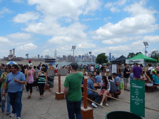 Williamsburg Smorgasburg: View of NY