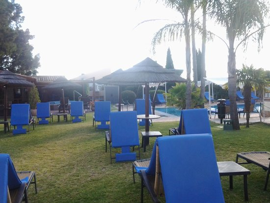Cerro da Marina Hotel : The poolside garden.