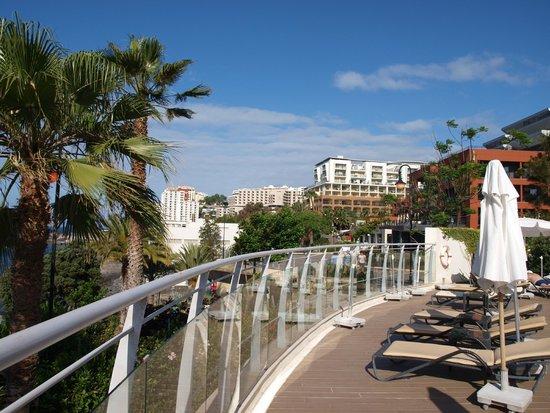 Melia Madeira Mare Resort & Spa: vue de la piscine