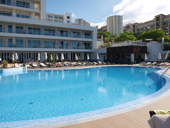 Melia Madeira Mare Resort & Spa: piscine