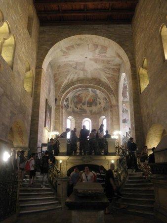 Château de Prague : 音響効果抜群でコンサートも開かれる聖イジ―教会