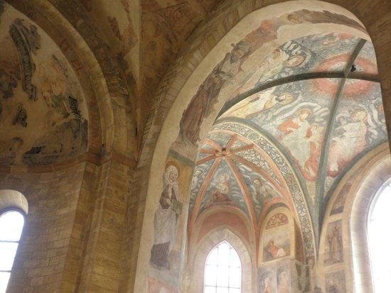 Château de Prague : 聖イジ―教会内のバロック様式のファザード