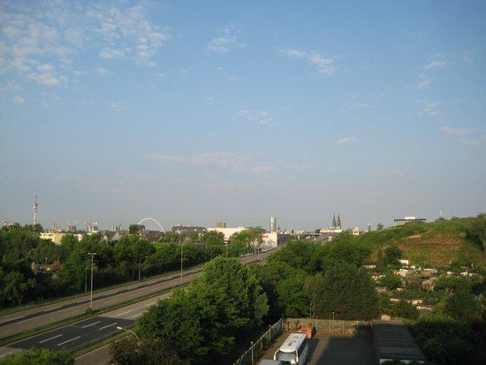 Leonardo Hotel Cologne : вид из окна