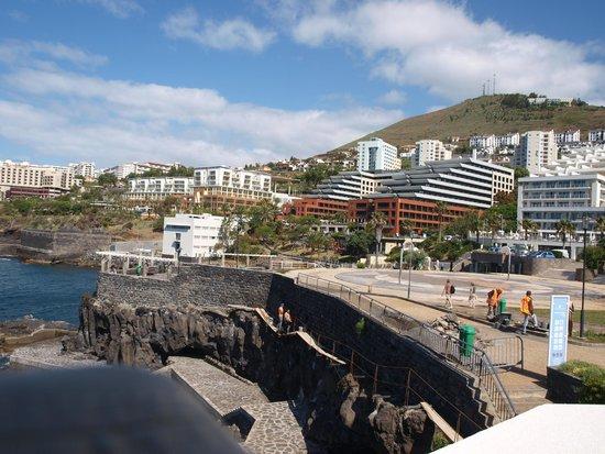 Melia Madeira Mare Resort & Spa: vue promenade du Lido