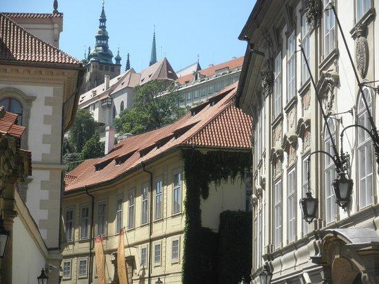 Château de Prague : マラー・ストラナからプラハ城を振り返る
