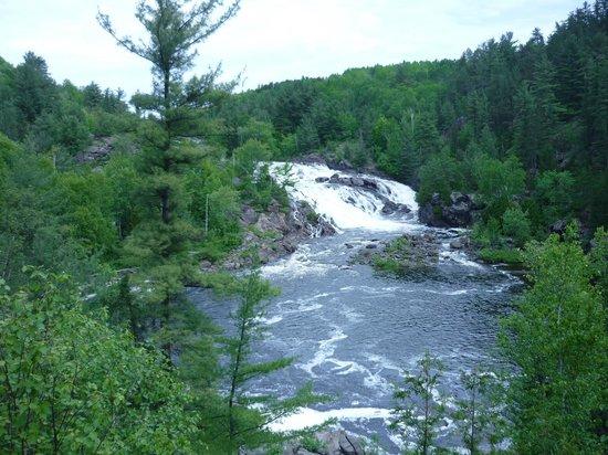 Onaping Falls: water falls