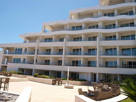Melia Madeira Mare Resort & Spa: vue hotel coté bar