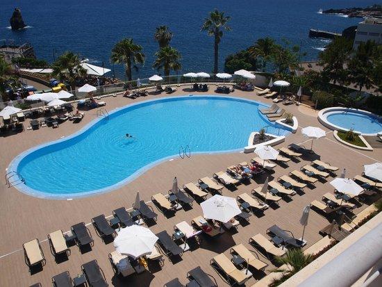 Melia Madeira Mare Resort & Spa: vue piscine