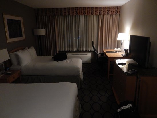 Hilton Newark Penn Station: Two Bed Room on the 4th Floor