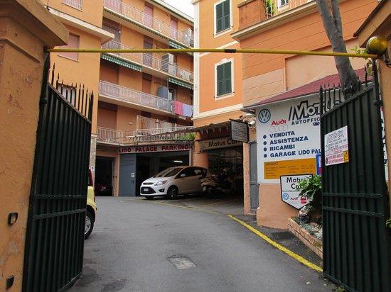 Lido Palace Hotel : garage