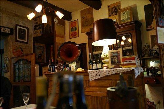 Le Bistrot Lyonnais : 餐厅服务台
