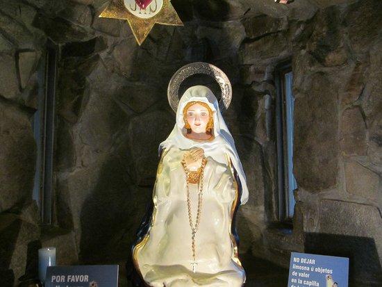 Virgen de los Tres Cerritos: Virgen