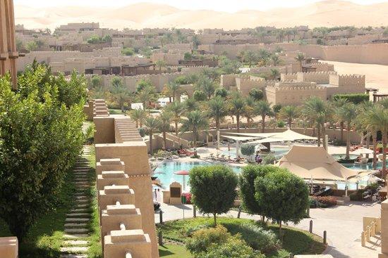 Qasr Al Sarab Desert Resort by Anantara: The Pool View