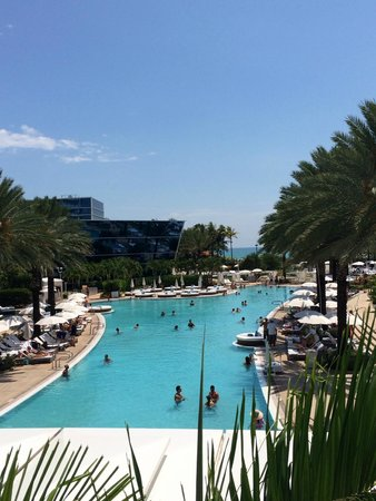 Fontainebleau Miami Beach: One of several pools on the property