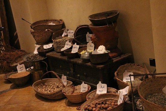 Qasr Al Sarab Desert Resort by Anantara: Trinkets