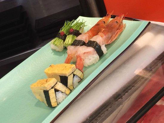 Sushizanmai Honjin: Fresh sushis
