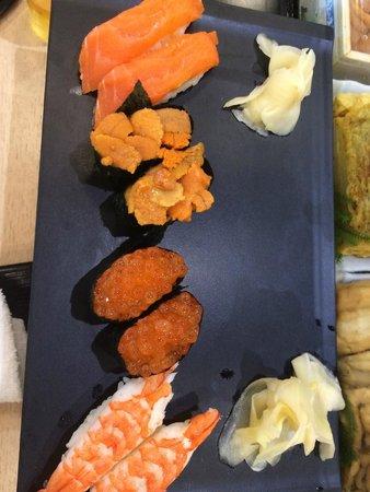 Sushizanmai Honjin: our sushis
