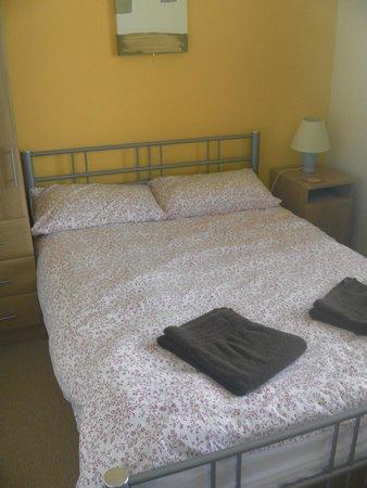 Slieve Elva Farmhouse B&B : double room