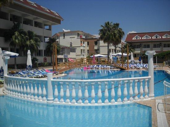Side Yesiloz Hotel: basen dla dorosłych i dla dzieci