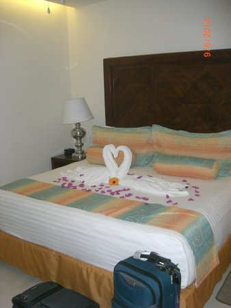 Grand Miramar All Luxury Suites & Residences: We stayed for our honeymoon