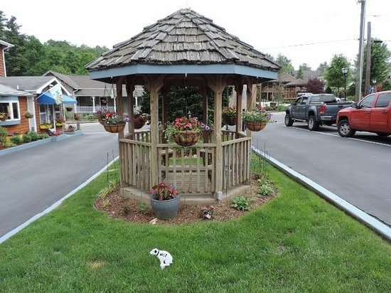 Homestead Inn : Gazebo