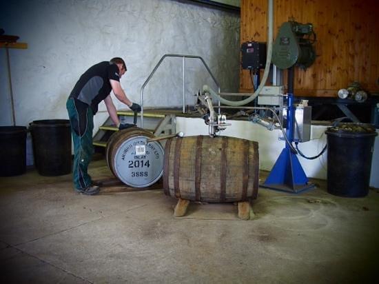 Ardbeg Distillery : Abfüllung (Teil der Tour)