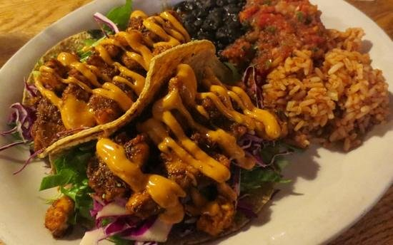 People's Pint Brewpub: Catfish tacos are worth eating again and again