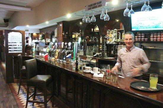 Clancy's Bar & Restaurant : Clancy's Pub- Cork, Ireland