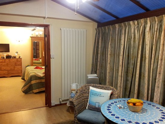 Coach House Cottage: Great B and B