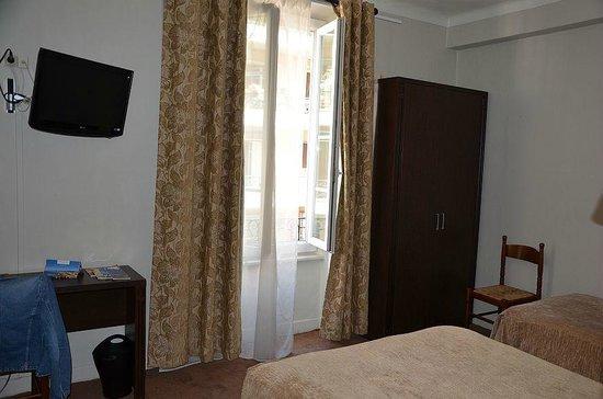 Hotel de Verdun : Room