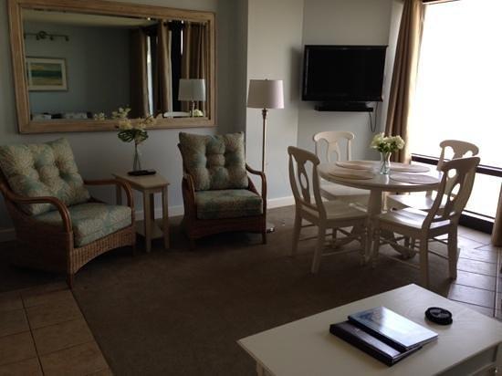 Shell Island Resort : Main living room area