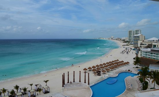 Krystal Cancun: View from Continental reception