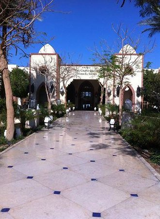 The Grand Hotel Sharm El Sheikh: Ingang Hotel