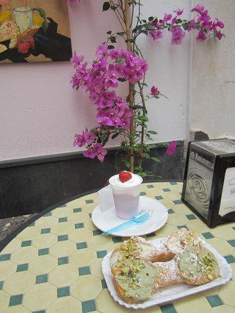 Pasticceria d'Ambra: Delicious!