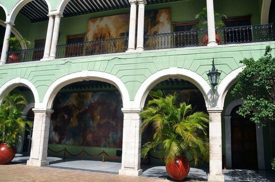 Palacio del Gobernador (Governor's Palace): Upper raw of paintings