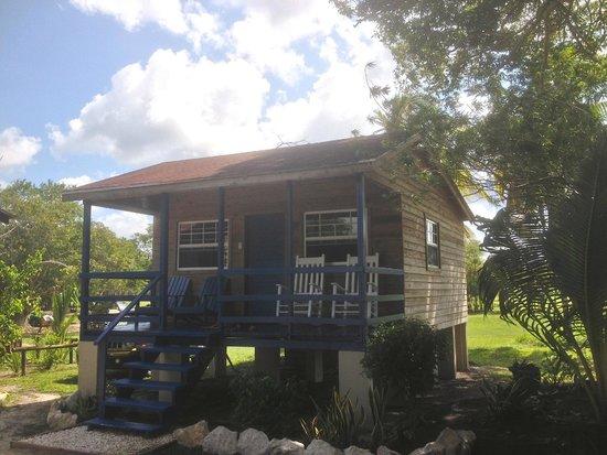 Crooked Tree Lodge: A lodge cabana