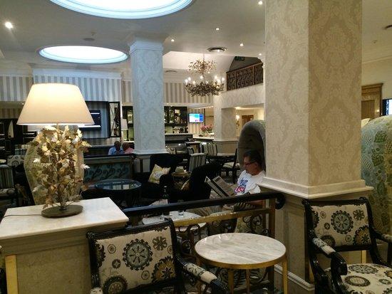 Protea Hotel by Marriott Johannesburg Balalaika Sandton: Lobby