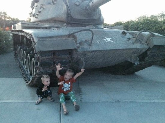 Henrys Fork Inn: Army Tank at the Park