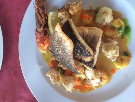 Castelo do Mar Bar, Restaurante: Sea bass was delicious