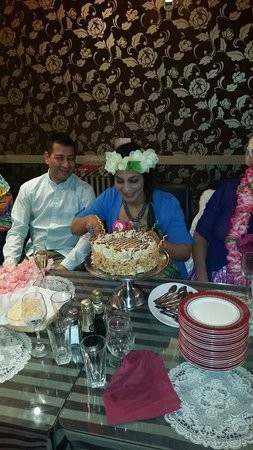 Indian Star Tandoori Restaurant : Delicious cake by Mr. Ray