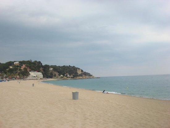 Lloret Beach: пляж