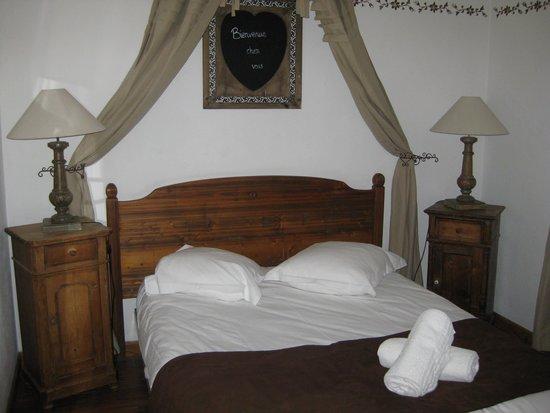 Hostellerie a la Ville de Lyon : notre chambre n°12