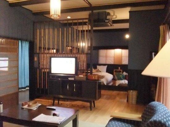 Futarishizuka: 客室