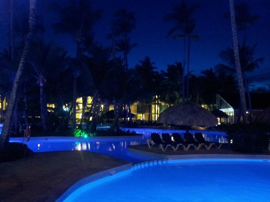 Grand Palladium Punta Cana Resort & Spa: GRAND PALLADIUM PUNTA CANA - UNA DE LAS PISCINAS