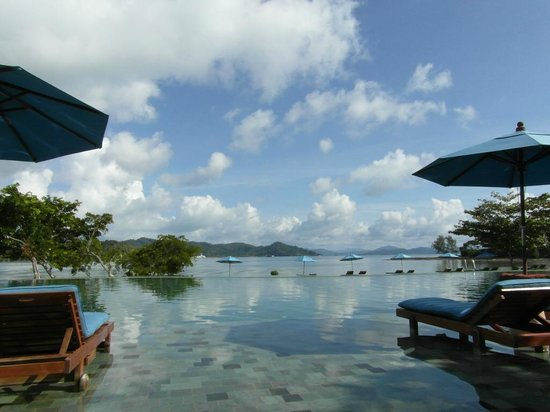The Naka Island, A Luxury Collection Resort & Spa Phuket: Main Pool