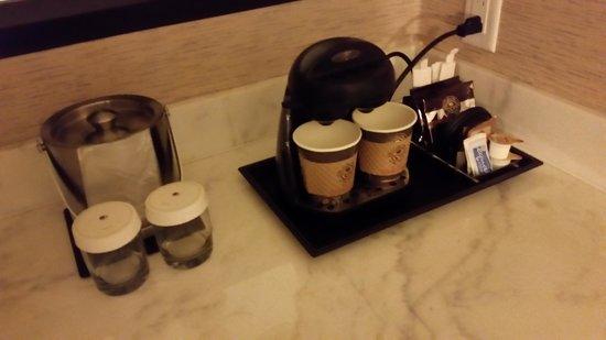 DoubleTree by Hilton Binghamton : coffee in the room