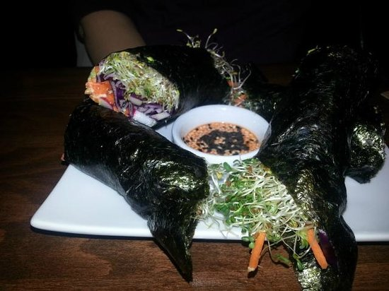 Nosh Eatery and Tap : Nori Raps