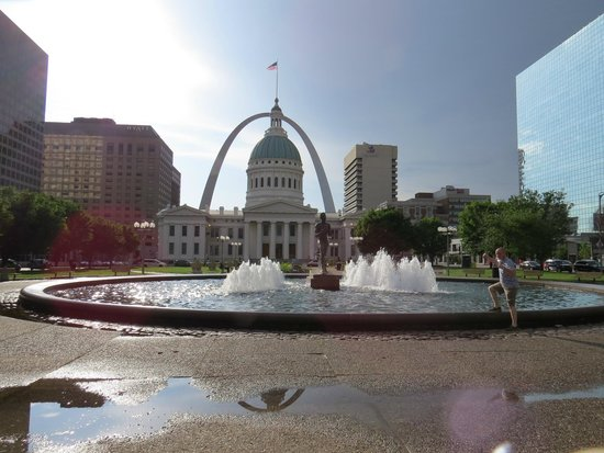 Kiener Plaza: This is the view that makes it worth visiting!