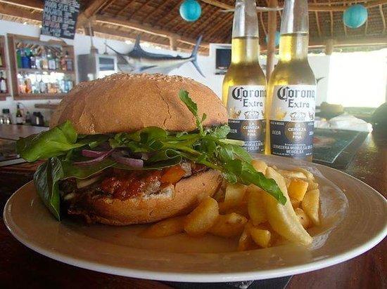 Wahoo Bar and Restaurant: Vanuatu's largest hamburger