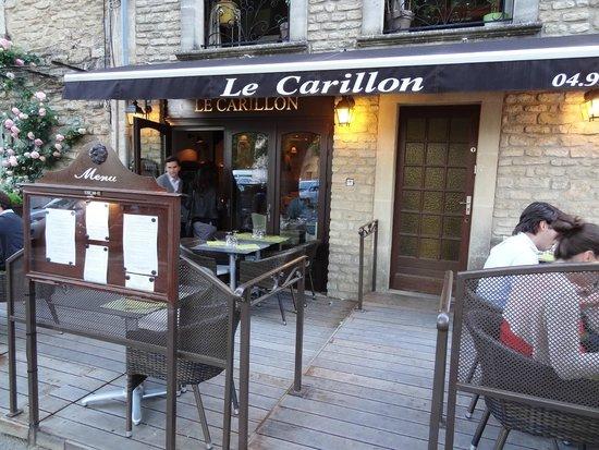 Le Carillon : Entrada do Restaurante